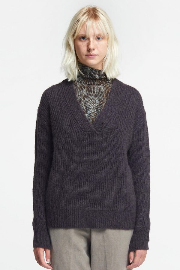 Pomandere-V-neck jumper